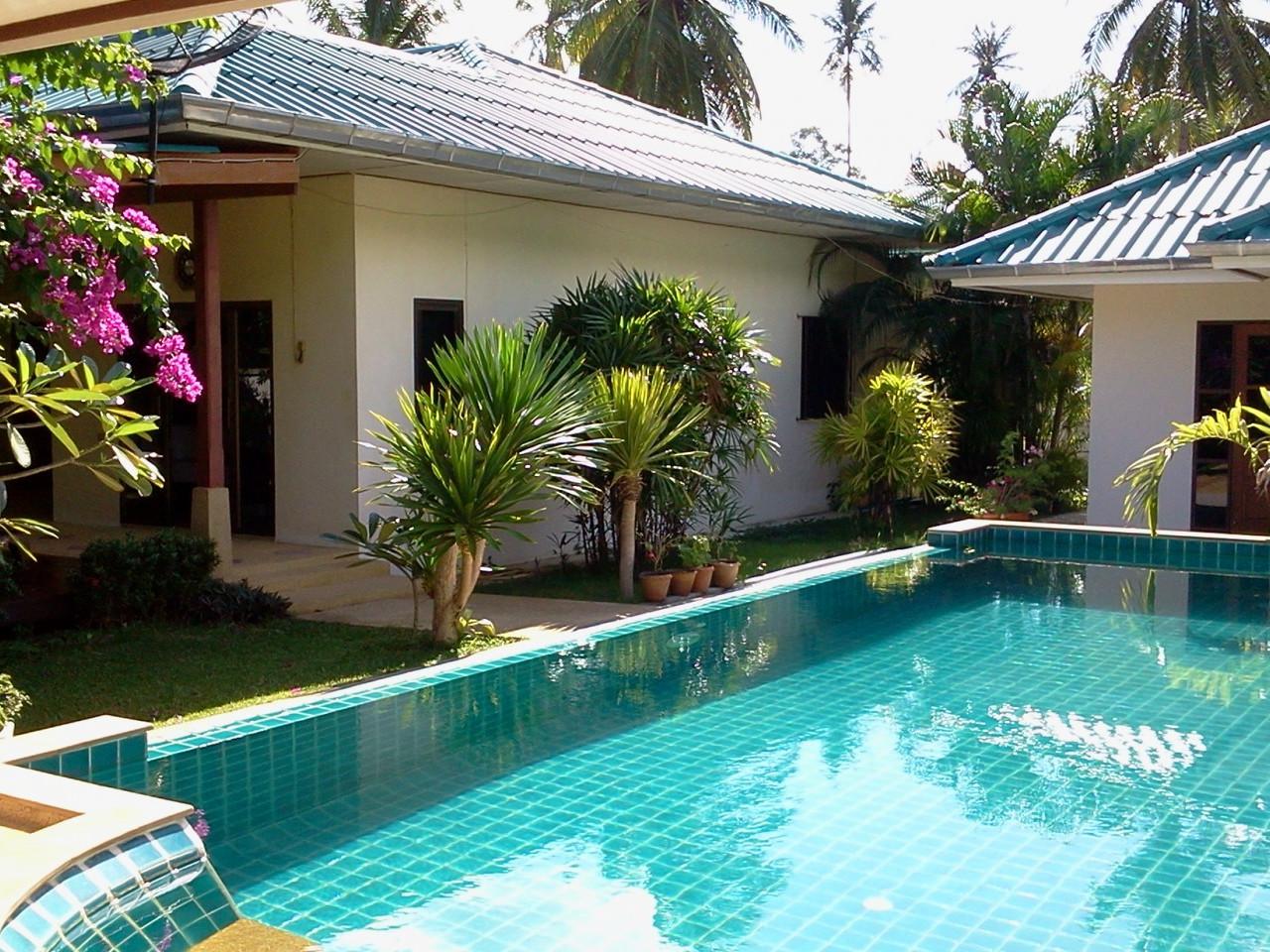 Grande Villa a Samui con depandance, grande piscina con jacuzzi,  giardino e garage